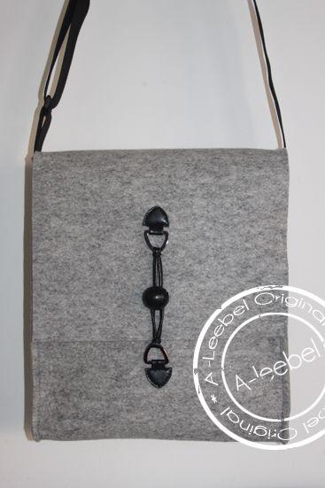 Vilten tas. Made by A-leebel.nl
