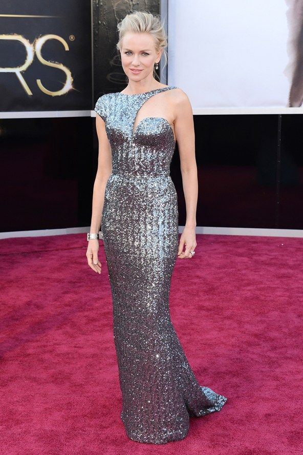 Anne Hathaway Might Wear Valentino S Prom Dress On The Red Carpet