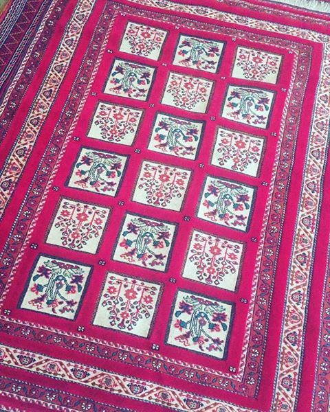 Red Afghan Beauty! We are in awe of this handmade carpet in wool in ...