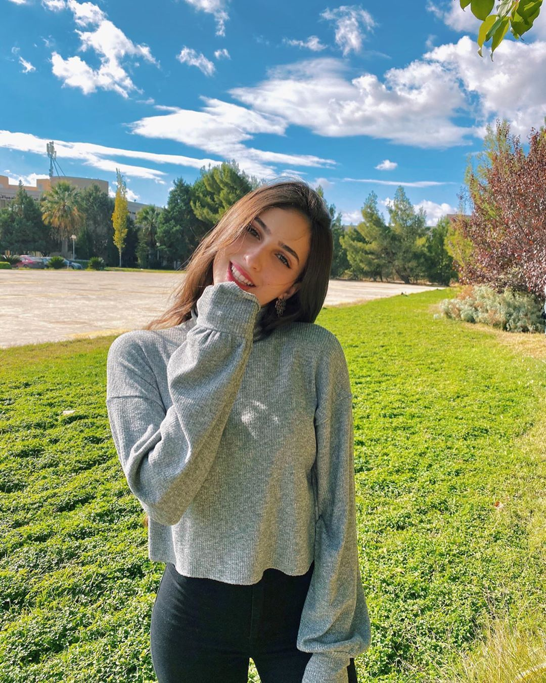 Lifeassara لايف آز سارة On Instagram خ خ خ خميس Fashion Sweaters Pullover