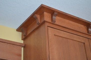 Craftsman Crown Molding Design Ideas Pictures Remodel And Decor Craftsman Style Kitchens Craftsman Interior Craftsman Kitchen