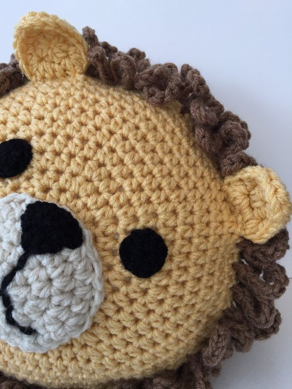 Crochet Lion Pillow | leon | Pinterest | Almohada de ganchillo, León ...