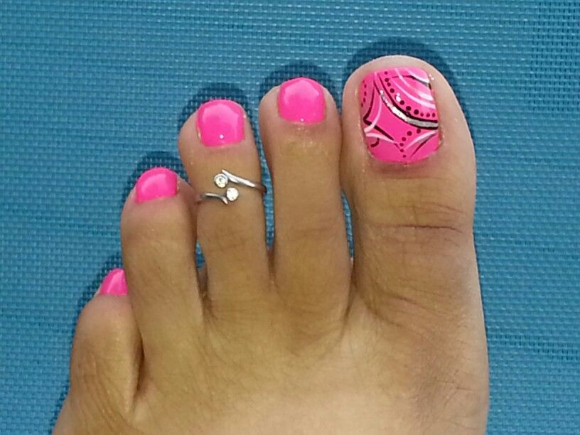 hot pink pedicure toe nail flower