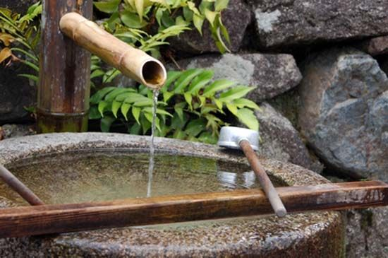 Japanese Garden Design Ideas Include Tsukubai Water Fountain