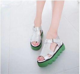sandalias de plataforma de estilo modelo de color argentado