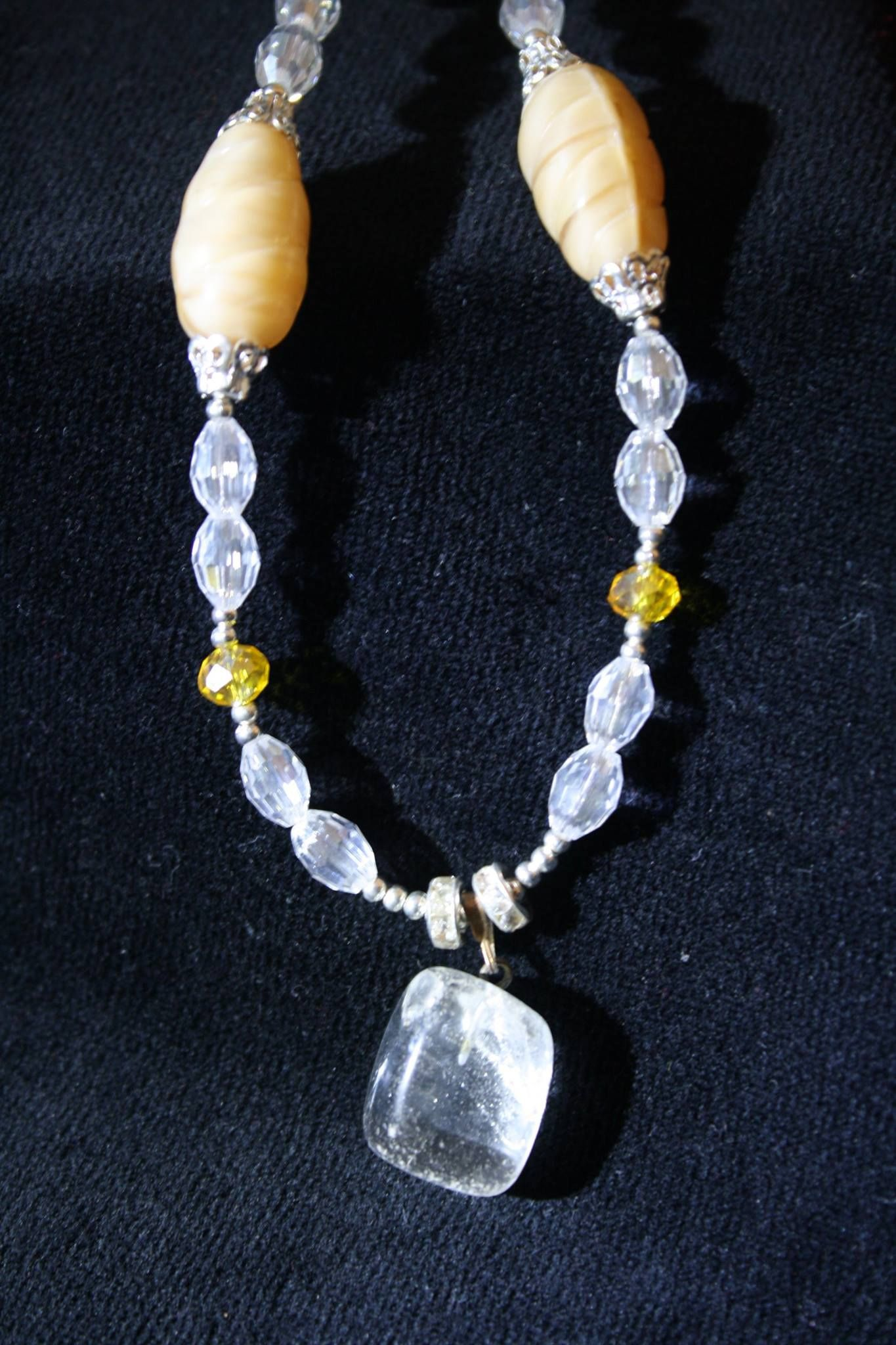 Luminousita: Cuarzo Puro - coordinado con aretes $100.00 pesos, Pure Quartz and cristals.  Buy in Facebook AVAILABLE