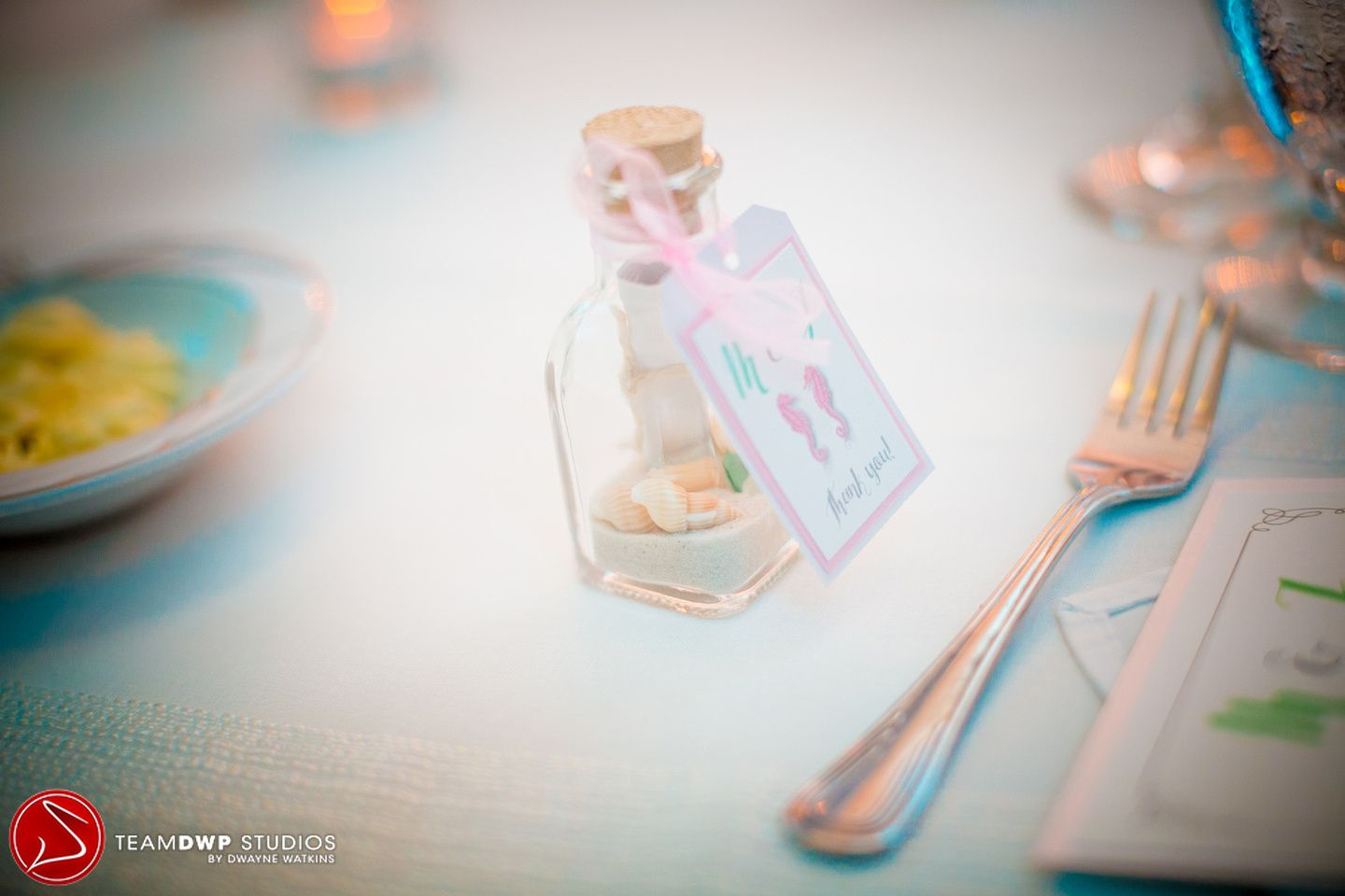 Beach themed wedding favors for the guests to remember the wedding ...
