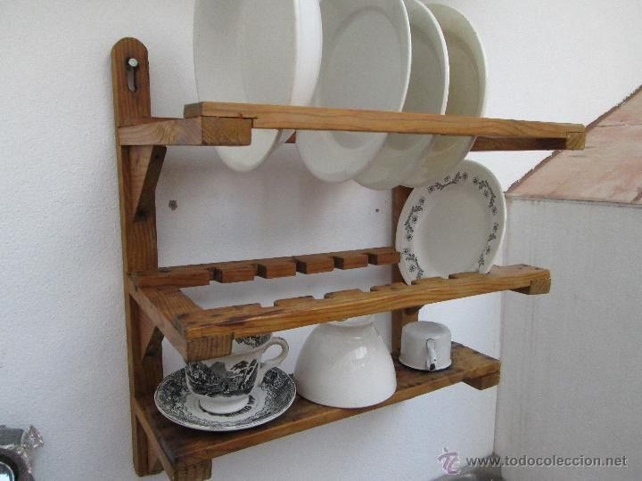 Lote 49968889 bonito platero antiguo de madera con for Plateros para cocina
