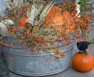 100 cheap and easy fall porch decor ideas corn stalks for Cheap fall decorations for outside
