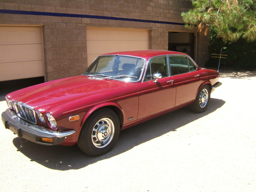 Rides From The Readers 1977 Jaguar Xj6l Hagerty Media In 2020 Jaguar Riding Car Features