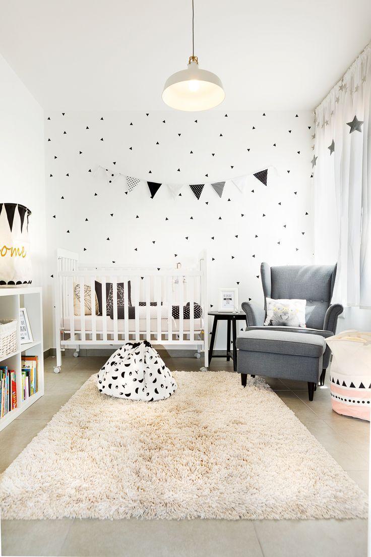 schwarzweiß geometrische Design Babyzimmer Ikea Stil von