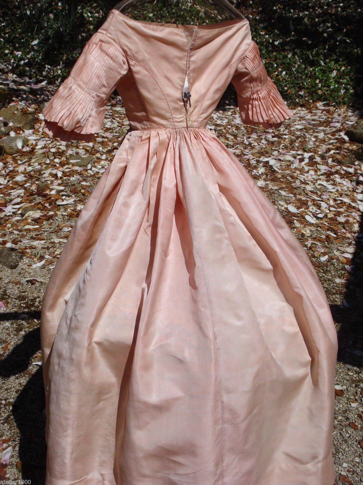 All The Pretty Dresses 1840 S Ball Gown Ball Gowns Pretty Dresses Gowns [ 1600 x 1200 Pixel ]