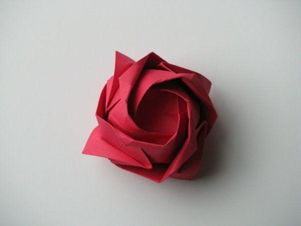 Un Origami Facile Fleur à Offrir Ou Pour Vous Amuser Tout