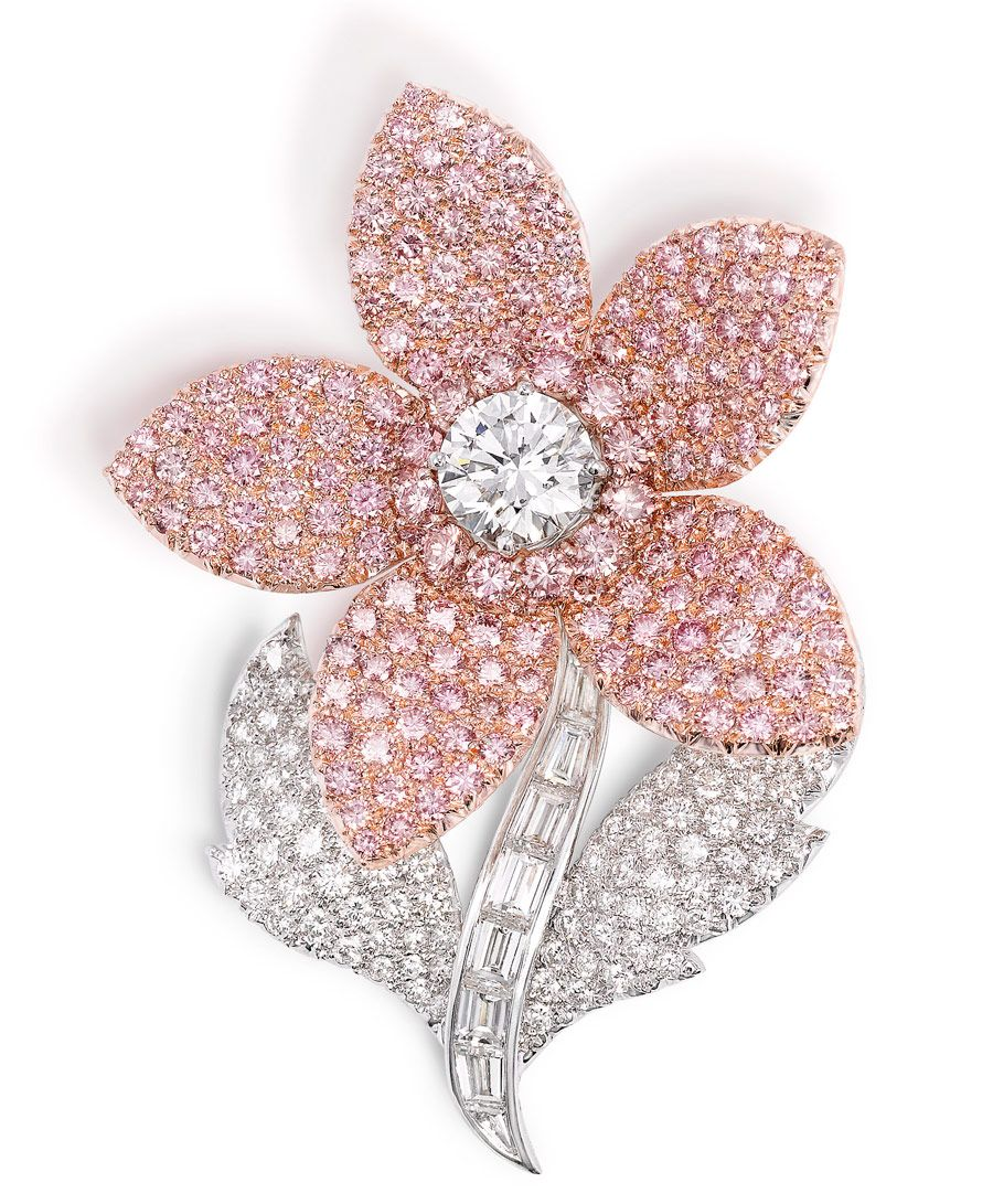 Graff pink and white diamond flower brooch featuring 177 pink diamonds totalling 9.64ct (total diamond weight 18.14ct)