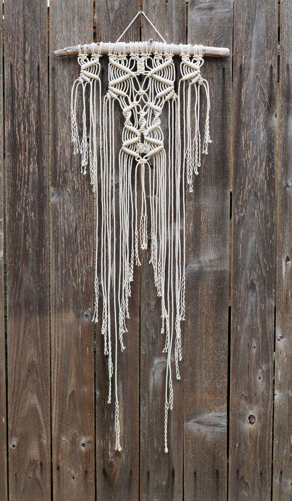 Macramé mur accrochant sur bois flotté | Macramé / tissage ...