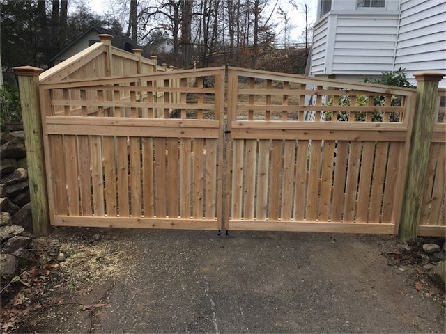 The 1 Double Gate 9 Ft Wide Is A 4 Semi Private Base With An Arched Square Lattice Topper 3 To 1 Square Lattice Double Gate Wood Fence