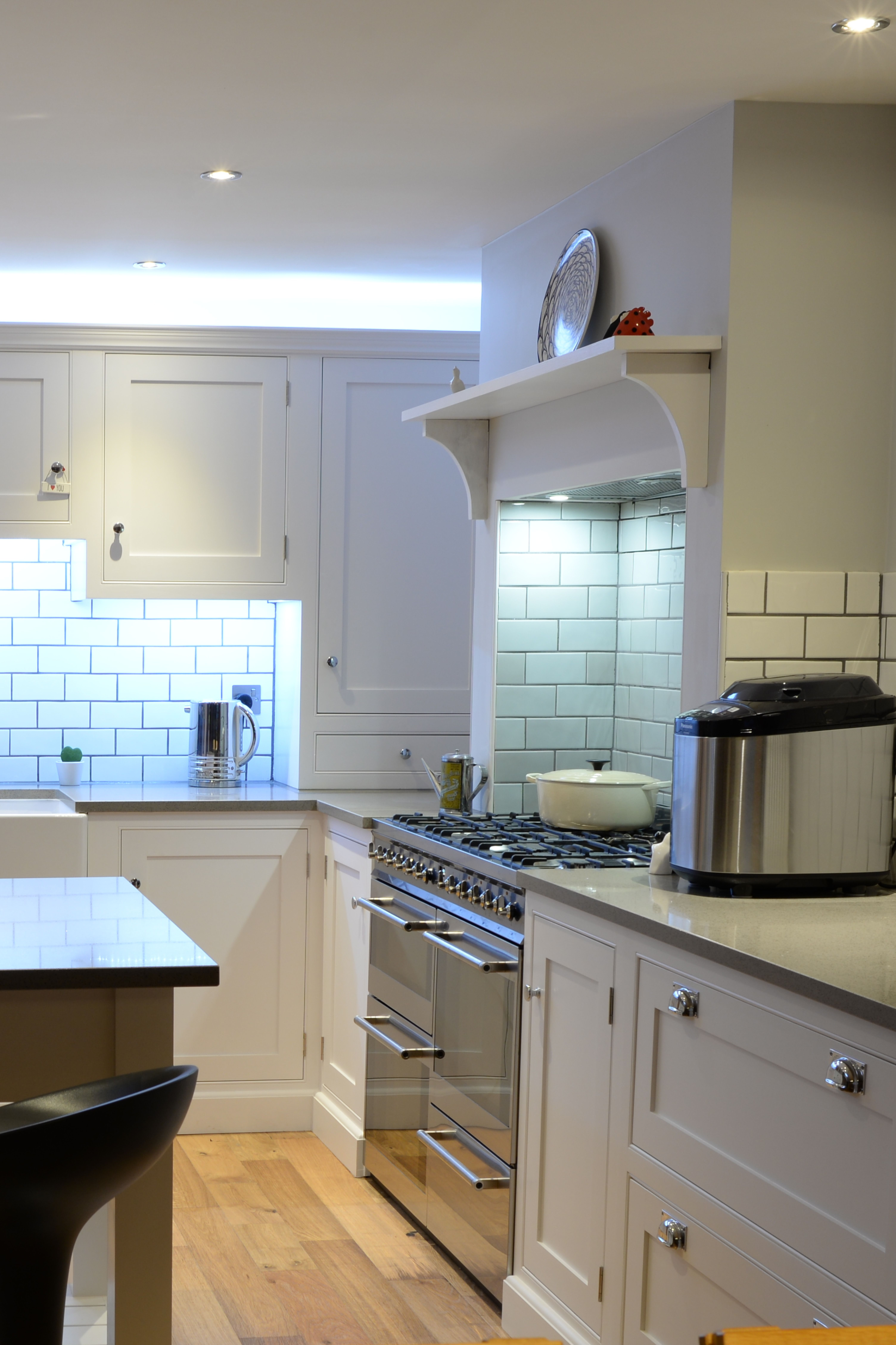 Modern Off White Handmade Bespoke Kitchen Kitchen Design Small White Kitchen Cupboards Kitchen Installation