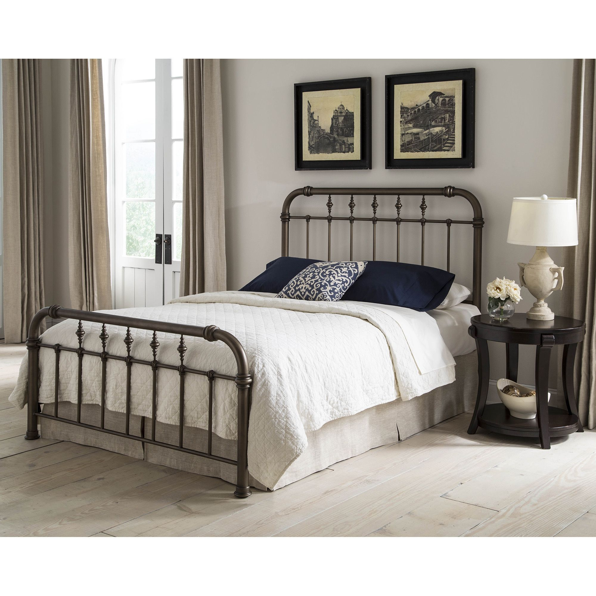 Vienna Complete Bed With Metal Duo Panels And Carved