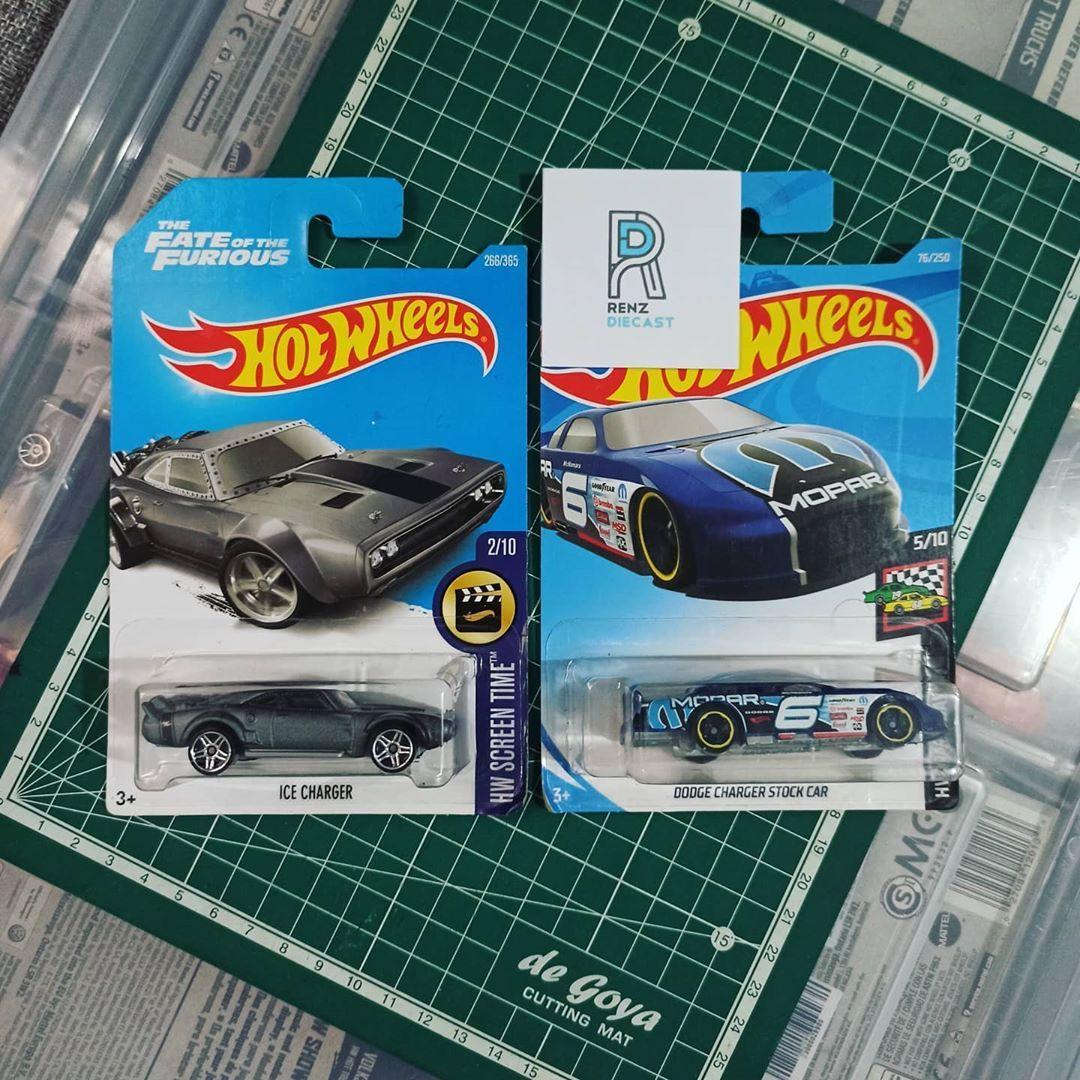 🔥 F L A S H  S A L E 🔥 🚙 Paket HW Ice Charger & Dodge Nascar lot - Base plastik . . . 💸 : @85k / set  Stok : 1 set Bisa satuan GRATIS ONGKIR se-jabodetabek . . Kondisi blister sesuai foto Minat ketik 'book' di komen . . #hotwheels #hotwheelscollector #sportcar #ford #car #fordfocusrs #ternakford #customford #audi #dirumahaja #customcar #toys #hotwheels #cool #pakethotwheels #hotwheelsmurah #hotwheelspaket #toysphotography #matchbox #matchboxtoys #mattel #package #hotwheelsjakarta #hotwheelsb