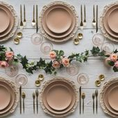 21 Tablescapes to Inspire Your Holiday Party Décor  Ideas para decorar tu mesa de navidad. #inspiracion #christmas #table #xmas #navidad    This image has get 24 repins.    Author: Melissa clayton #decor #Holiday #Inspire #Party #Tablescapes #ferientisch