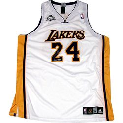 wholesale dealer 456a9 117ee SOLD - Kobe Bryant Signed White Lakers Jersey LE/124 (Panini ...