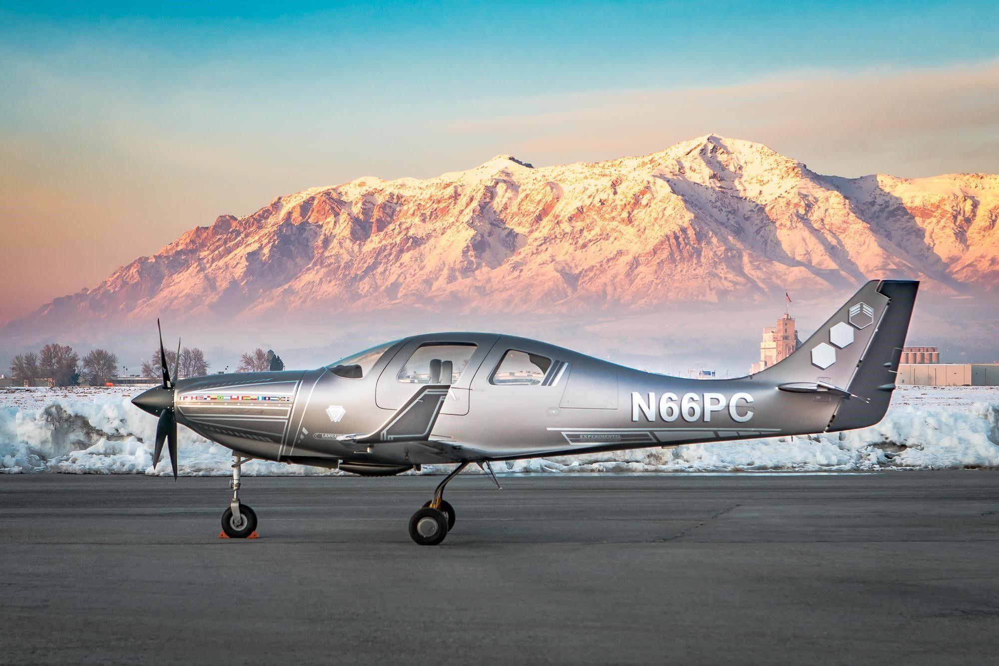 Lancair IVP (2001) (325,000) Private jet plane