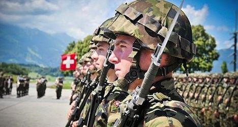 Conscripts 'forget' guns on Swiss trains: report