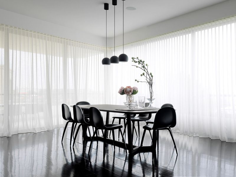 9 Ideas For A Beautifully Draped Home Black And White Dining Room Dining Room Contemporary Black Dining Room