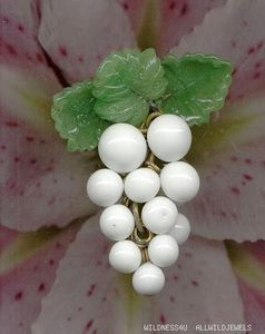 vintage fruit beads | VINTAGE-art-glass-FRUIT-SALAD-GRAPES-PENDANTS-CHARMS-DROPS-BEADS ...
