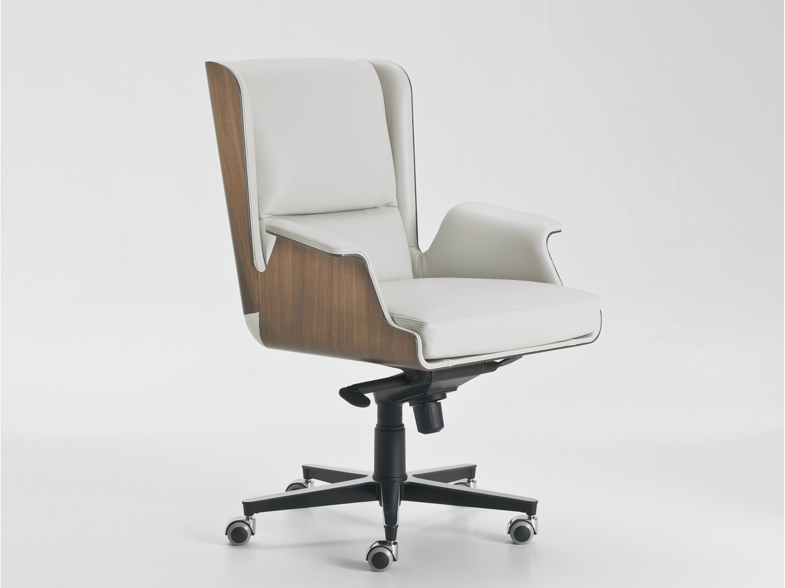 GARBO Executive chair by i 4 Mariani design Umberto Asnago