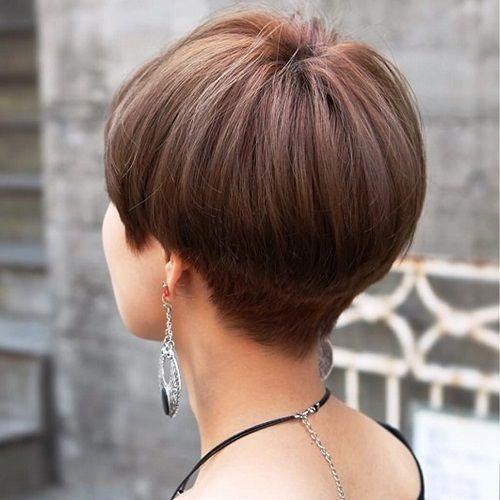 Mushroom Haircut style #womensshorthairstyles | Womens short hairstyles in 2019 | Wedge haircut ...