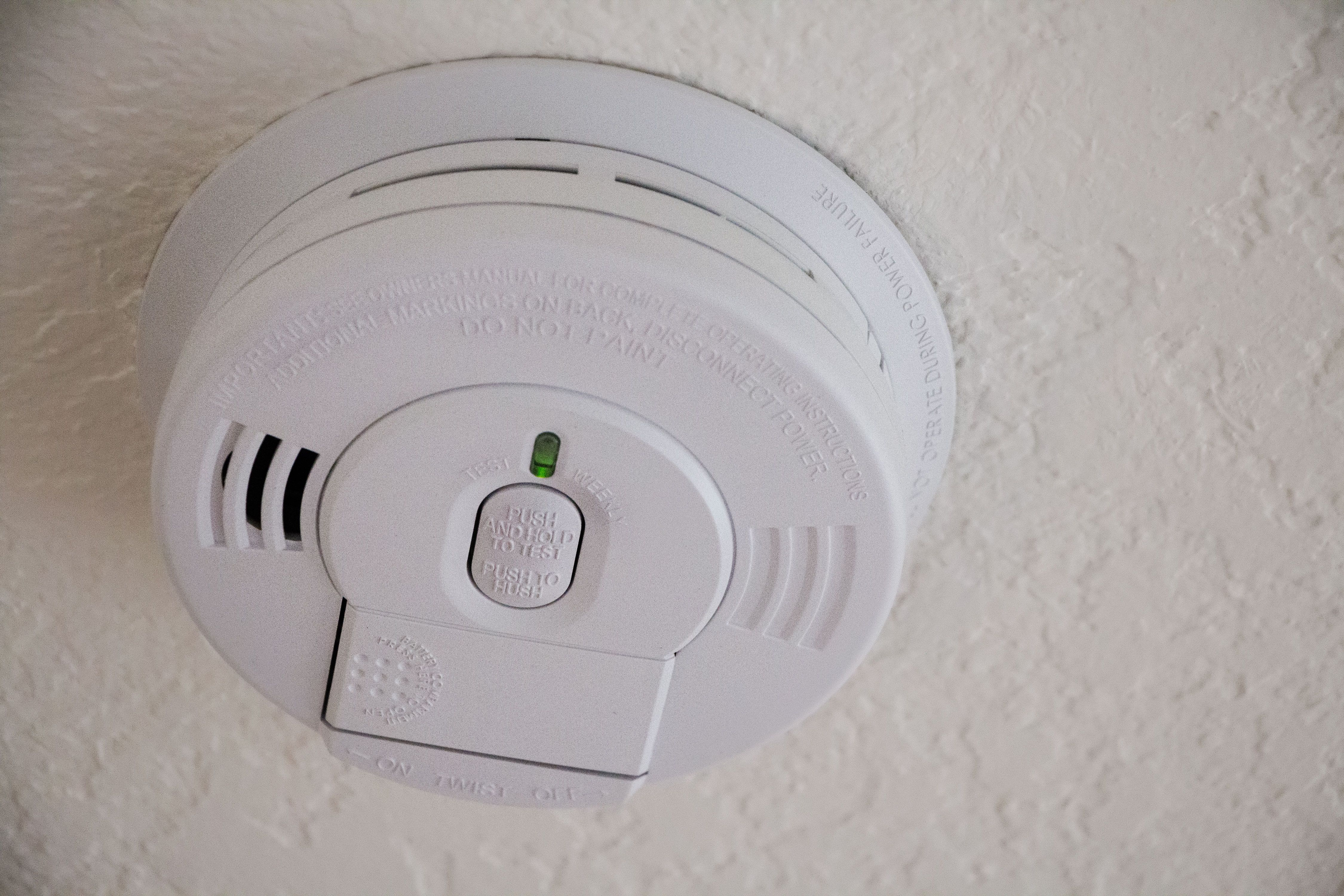 How To Stop A Smoke Alarm From Beeping Smoke Alarms Emergency Plan Smoke Detector