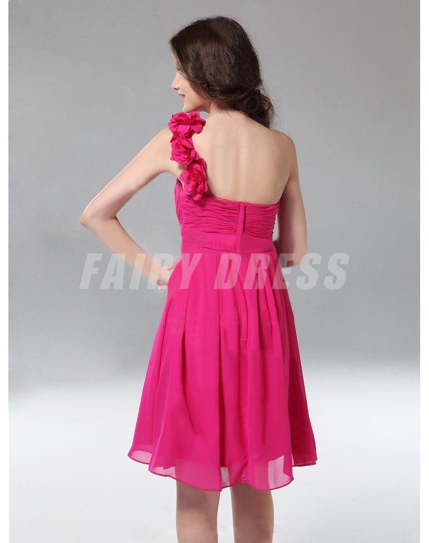 Femme robe de cocktail fuchsia asymmétrique fleur à une épaule