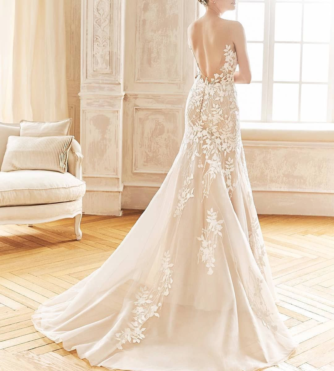Sewa Gaun Pengantin Mewah Hanya Mulai Rp 950 000 Saja Lihat Koleksi Lainy Di Vynahuang Id V Simple Elegant Wedding Dress Wedding Dresses Elegant Bridal Gown