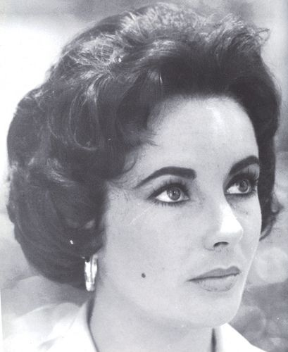 Elizabeth Taylor on the set of Cat on a Hot Tin Roof.