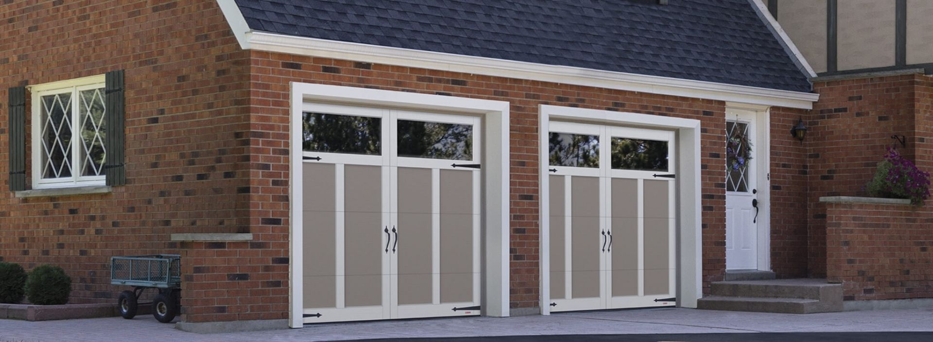 Eastman E 12 8 X 7 Claystone Doors And Ice White Overlays Panoramic Clear Windows Garage Doors Clear Windows Garage Door Opener