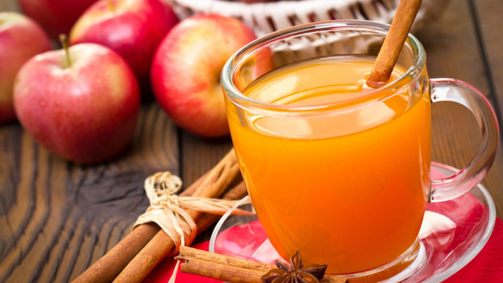 Hot, Cold, or Spiked: 7 Apple Cider Recipes to Enjoy This Fall – LifeSavvy #spikedapplecider
