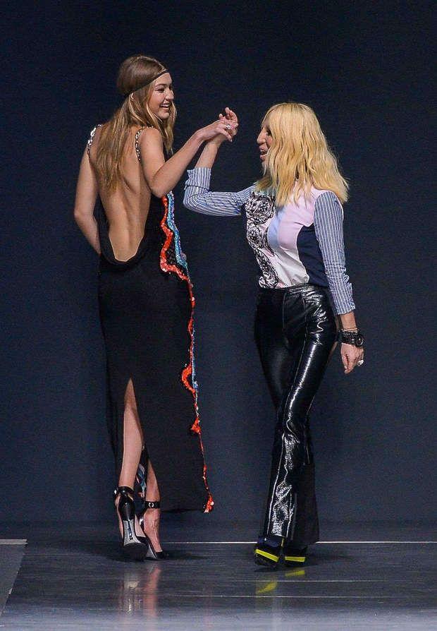 Gigi Hadid avec Donatella Versace (c Sipa)