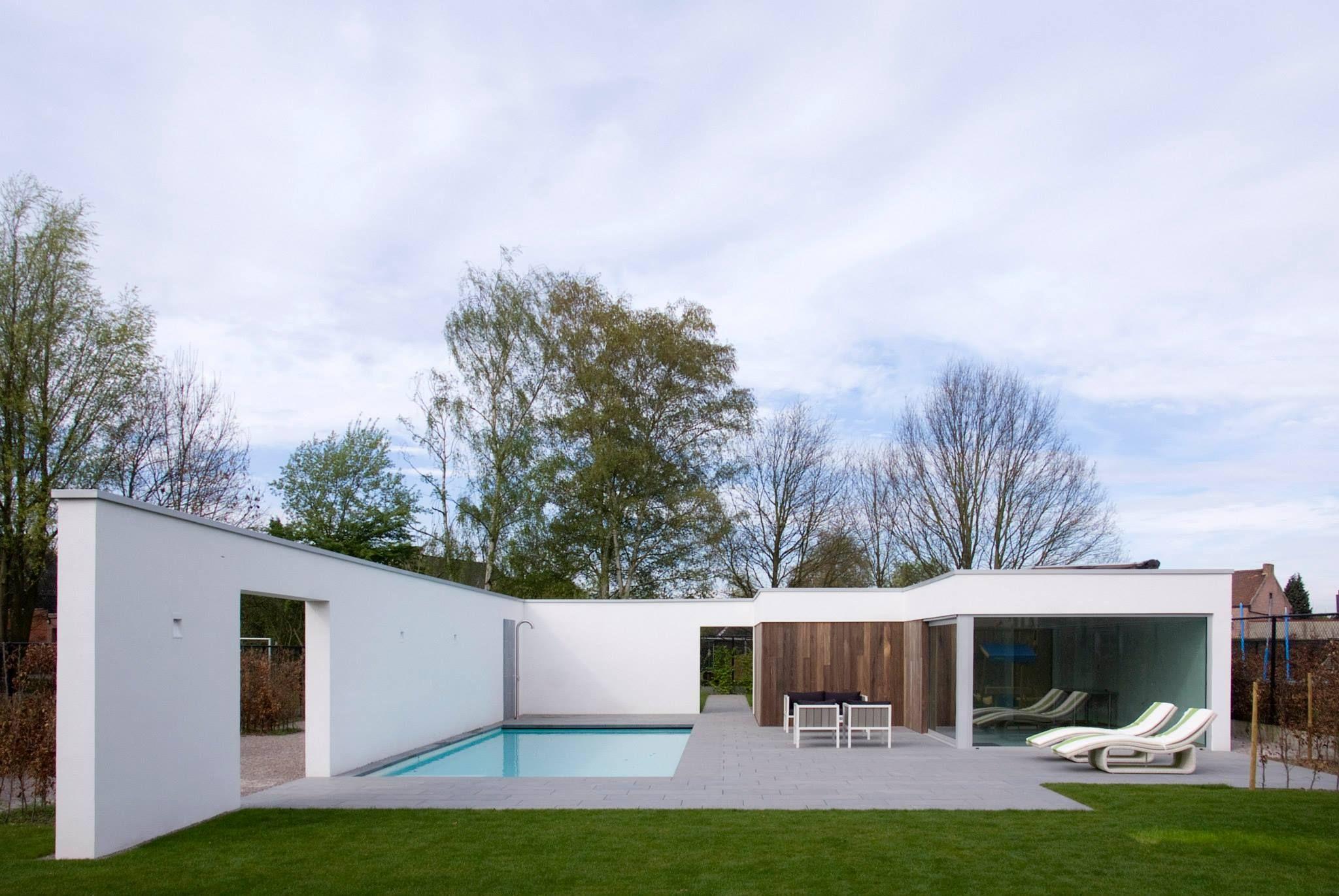 Je tuin krijgt een enorme meerwaarde dankzij een zwembad for Zelf zwembad aanleggen kostprijs