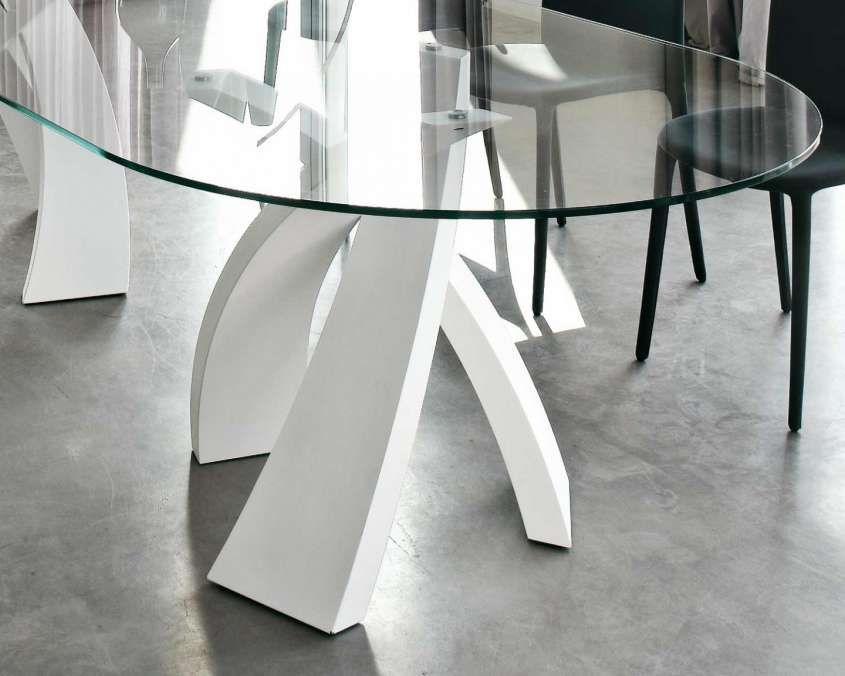 Tavolo design ovale for Tavoli bianchi moderni