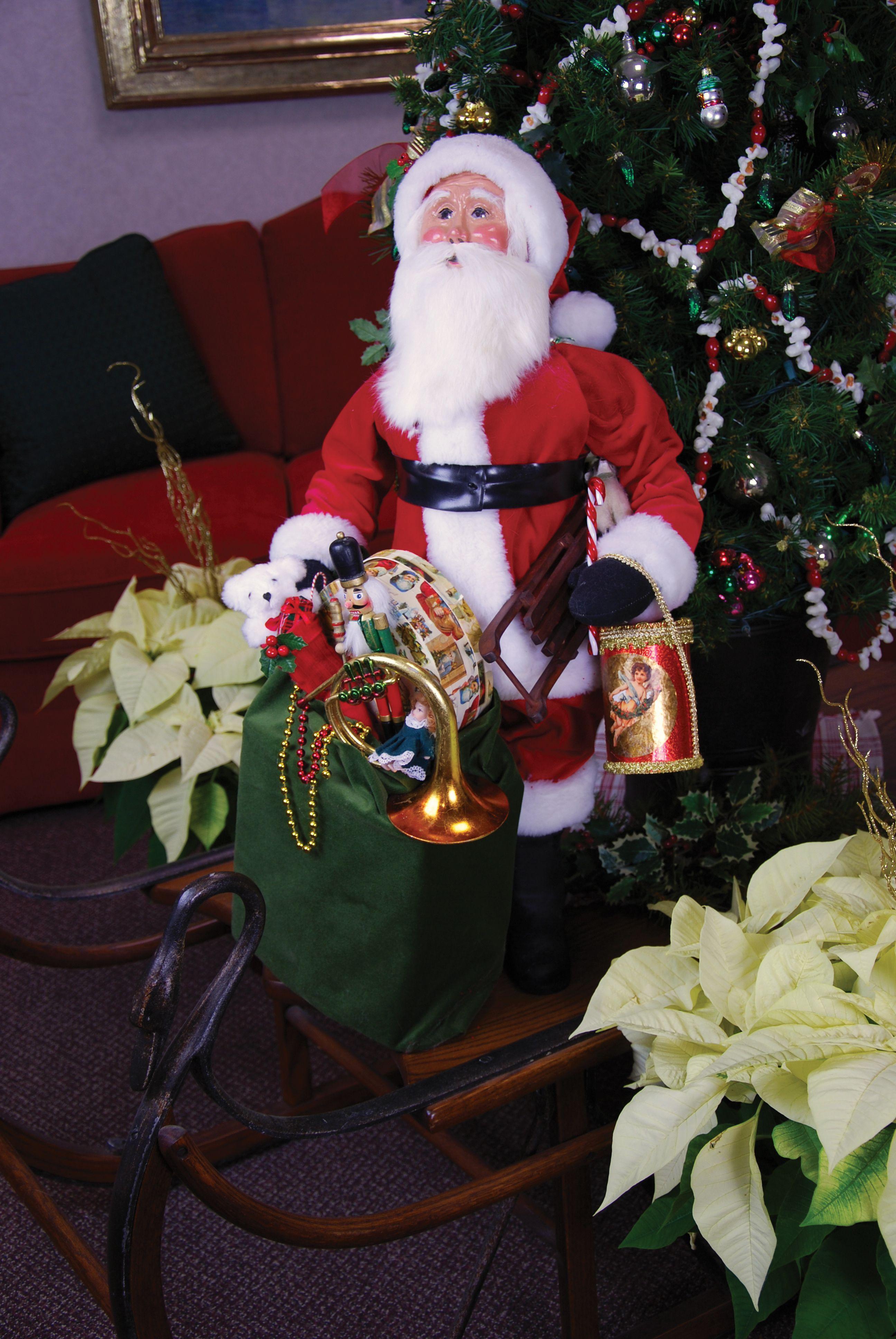 Byers choice carolers 30 red velvet display santa with