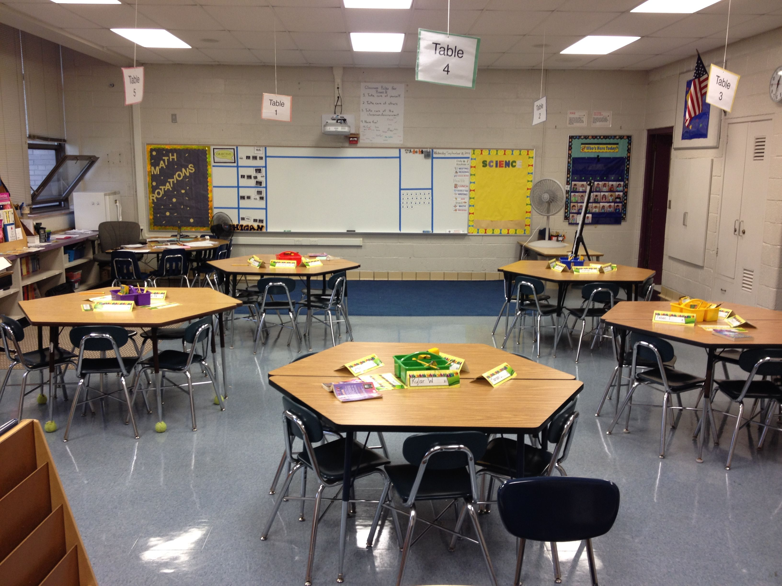 classroom needs special separate seating tables furniture teacher children comfortable setting room student arrangements establishing clutter pathways there mentor front