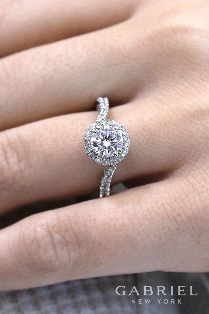 14k White Gold Round Halo Engagement Ring   Round Engagement Rings ...