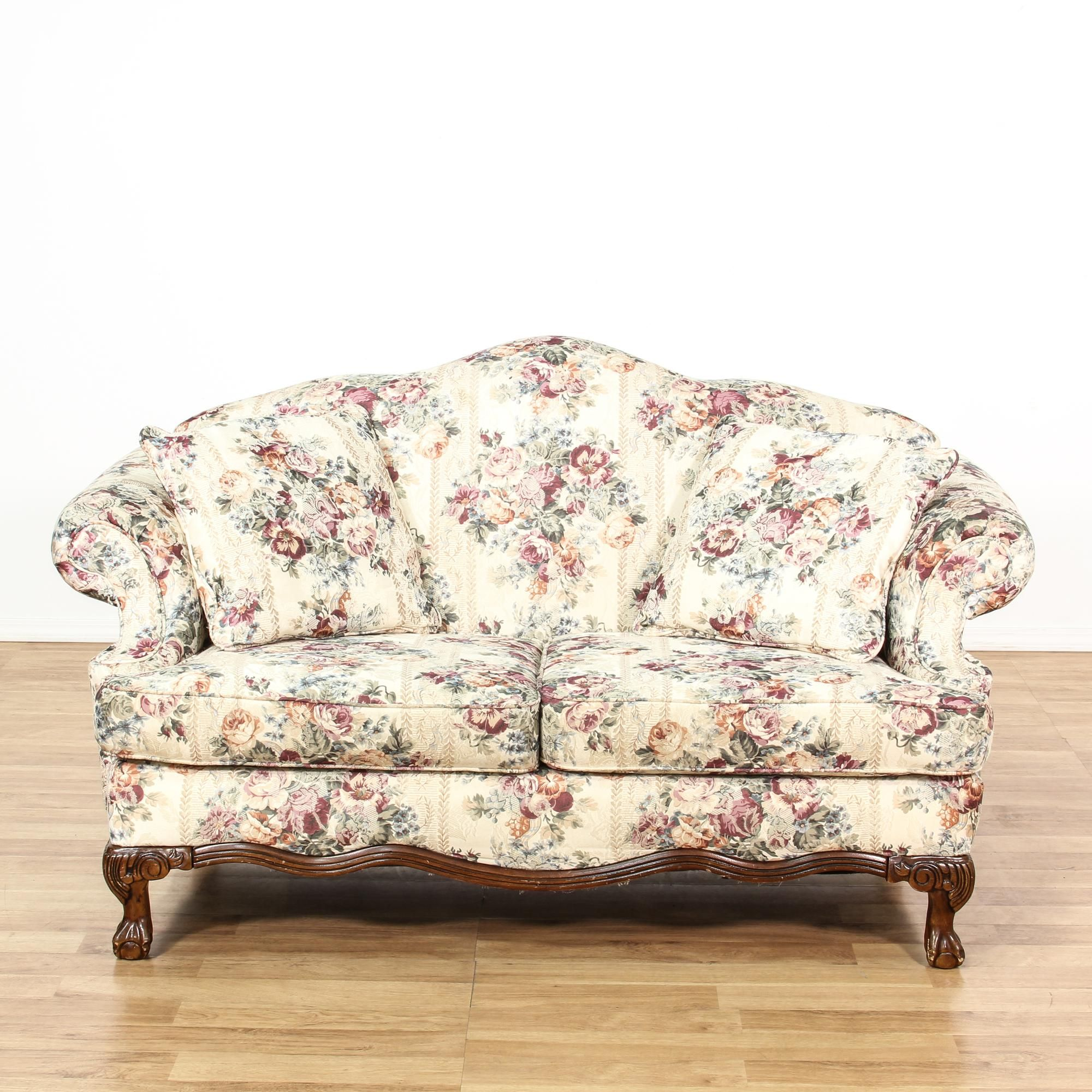 This Cottage Chic Loveseat Is Upholstered In An Off White Cream