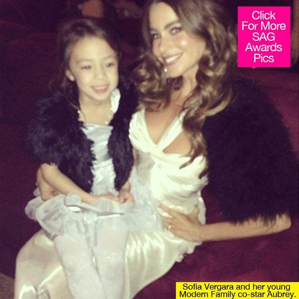 OH, FER CUTEZ! Sofia Vergara & her little co-star were matching at the SAG Awards.
