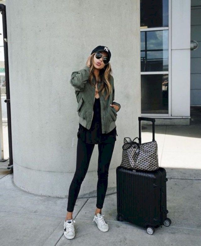 15 Comfortable Airport Outfit to Copy Fashionetter