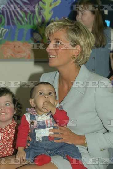 Diana Princess Of Wales Visits Patients At The Royal Brompton Hospital. With The Princess Is Ten-month Old Sharma Salim A Victim Of Cystic Fibrosis  15 Apr 1997