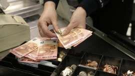 El valor de las remesas de los emigrantes latinoamericanos en Europa caerá.
