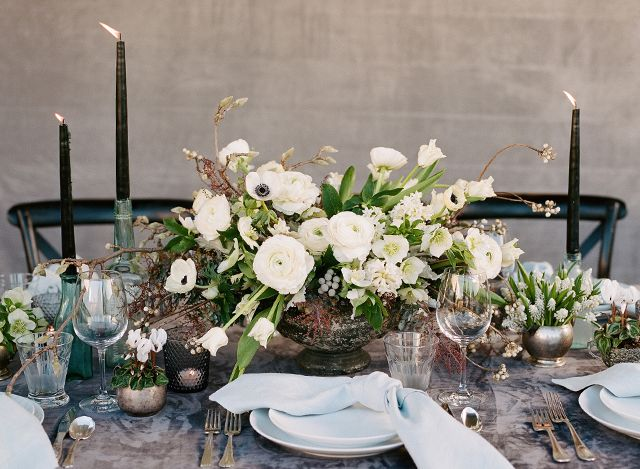 seasonal flowers white flower arrangements for weddings black rh pinterest com