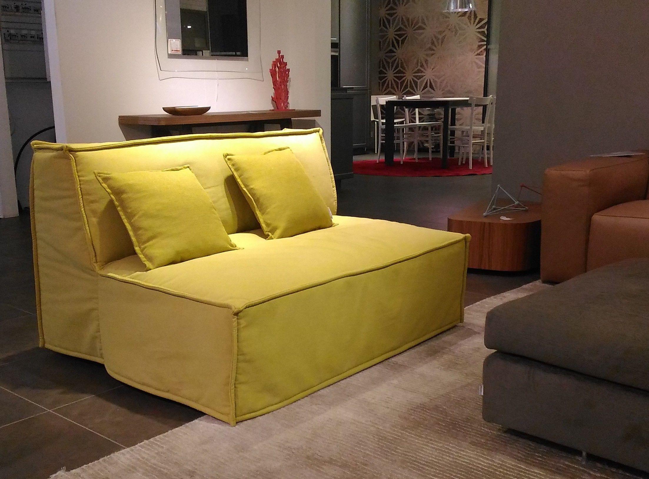 Tommy Sofa And Sofa Bed By Milano Bedding Divani Divani Letto Design